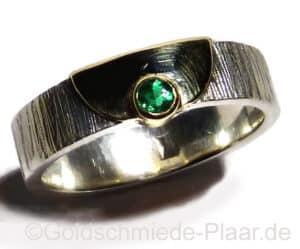 Silber-Ring mit Smaragd und Gold