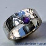 Silber-Ring Hammerschlag mit Amethyst