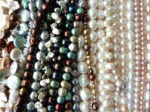 Süßwasserzuchtperlen, verschiedene Stränge,Perlenpflege