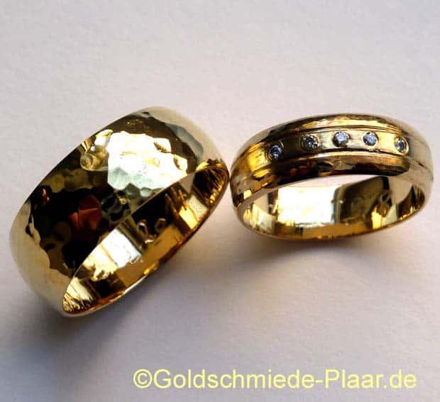 Trauringe mit Hammerschlag aus Gold - HandarbeitTrauringe mit ...