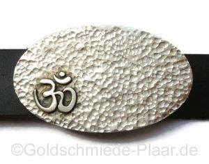 ovale Gürtelschnalle mit Hammerschlag, Silber