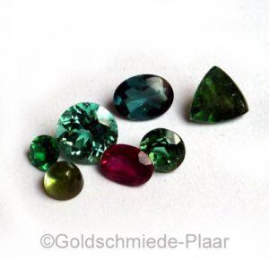 Turmalin -  verschiedene Steine