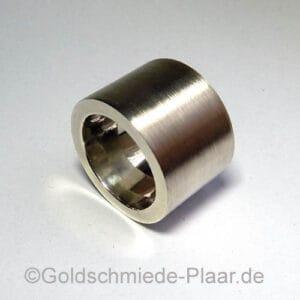 Sehr schwerer Ring aus Silber