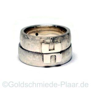 Trauringe aus Silber mit Belötungen aus Gold und Silber